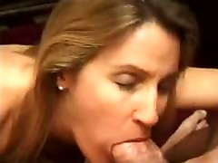 Mature woman sucks house guy dener cock