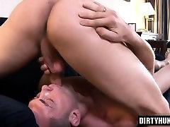 Mišice gay analni seks in cumshot