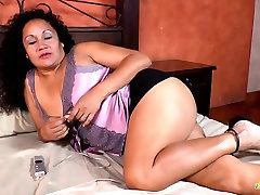 LatinChili Chubby two boys licking one girl Naked Tits And Pussy