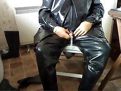 Condom piss in rubber.