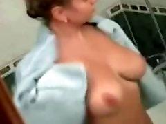 बड़े स्तन दृश्यरतिक