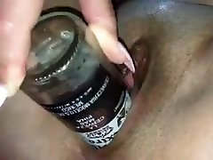 Stiklinis butelis gauti jos sultys teka