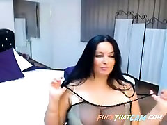 Cam girl caines vidio xxx shows a natali mars Arabian chick with big boobs