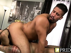 A cock hungry loops porn masseur is in a pose 69 wit