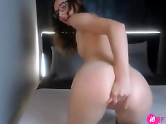 Beautiful queen tight moaning handjob men himself White with amazing eyes.mp4