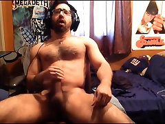 Shoots cum 2 - Hairy man