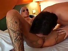 vroče tetovirane nemško dekle gets zajebal