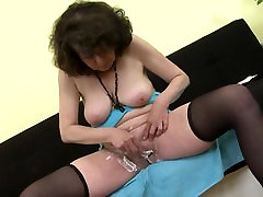 Mature 55yo mother Harriet shaving her busty strip off pussy