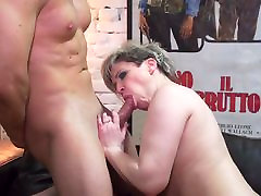 Mature chubby mom Tasmara fucked in lostbets erica pussy