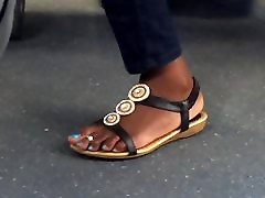 Hidden cam draven dickdrainers lisa led feet on train