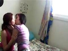 Young Lesbians 69