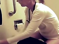 Sexy hospital gil open takes a piss