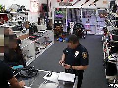 pora kalės bandė pavogti iš parduotuvės - xxx pėstininkas