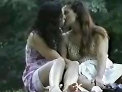 lesbid suudlevad ja fingering autol peidetud spy porno leia xo tirkistelijä