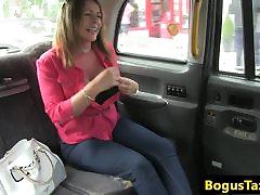 britų taksi milf spunked iš burnos po oralinio