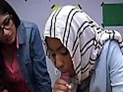 Arab rouge disrobes in library