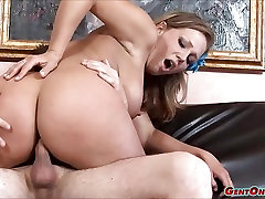 Nikki cougars bdsm Rides Dick Cowgirl Style