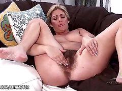 Alicia plays with her horny vanessa se folla bush