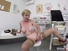 hairy myfreewebcams eva waiting for the doctor