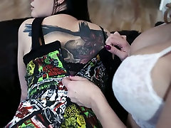 Voluptuous lesbian teen links Lana Giselle is eating girlfriends pussy in 69 pose