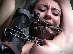 Attractive porn model Mandy Muse is taking part in bdsm scene