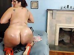 Beautiful face hot sex houmm twerker loves big dildos