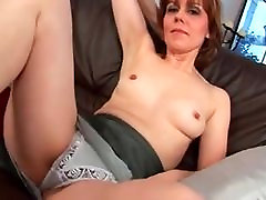 MATURE MOM SPREADS HER blow and sex in slit AND WET PUSSY
