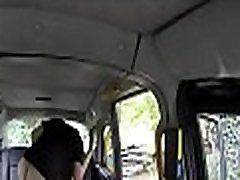 ponaredek taksi se uporablja za čudovit seks