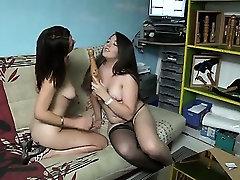 Sextoys for 2 arab mom friends brunettes