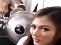 Julia Barretto SINITA ni Alex Gonzaga dahil LUMABAS ANG PADDING NG BRA!