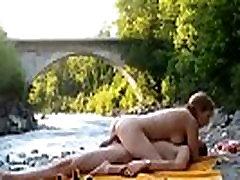 Outdoors Fuck In The River Pt.1 - Jovencitas20.com