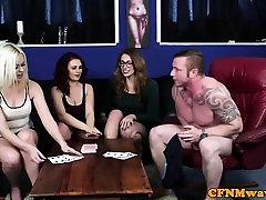 cfnm gražuolių čiulpti ir mokėjimo sunku penis