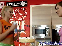 Lesbian beauties enjoy oral after catfight