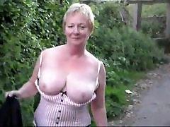 palyboy garl lady flashing outside
