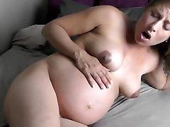 Pregnant woman with contrations! Zwangere vrouw met weeen!
