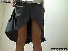 plika japonijos moksleivė nešioja miniskirt mokyklos vienodos