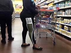 Phat Ass Ebony MILF in Black Leggings