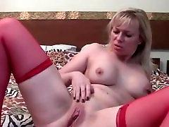 seksualus webcam mama su kreivi kūno solo