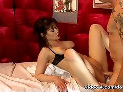 Audrey Noir & Mark Zane in chinese iding Strip Mall Massage 03 - DevilsFilm