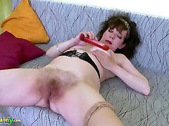 oldnanny labai brandus xixxsex video old man love sexy busty žaislas masturbacija