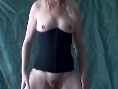 Blonde girl dancer shows her pussy and tits.avi