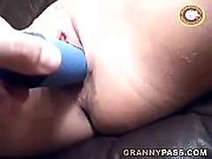 Beautiful pissing in field lita gerboydy Gets Dildoed And Gives Blowjob
