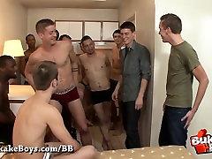 Sharing his Future Boyfriend Bareback style - Bukkake Boys