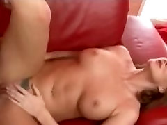 mature-milf-takes-a-long-shaft-in-her-pussy-HI.mp4