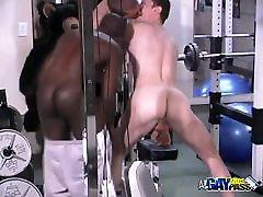 Gym Buddies Oral Threesome