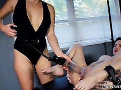 Pussy Tease: She Got her Cunt Pumped