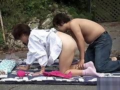 pohoten japonski model v noro veliki joški, necenzurirano jav film