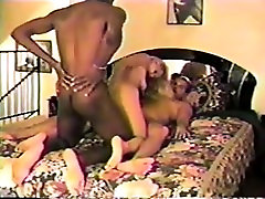 Sexy blonde in threesome professora rabuda hardcore action