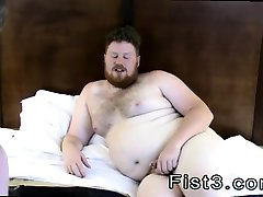 Free fist box gay porn Say Hello to Fisting Bottom, Brock!