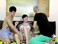 fantje, ki so zlorabili s svojimi gay kurac treh velikih dicked fantje delili svoje boners!
